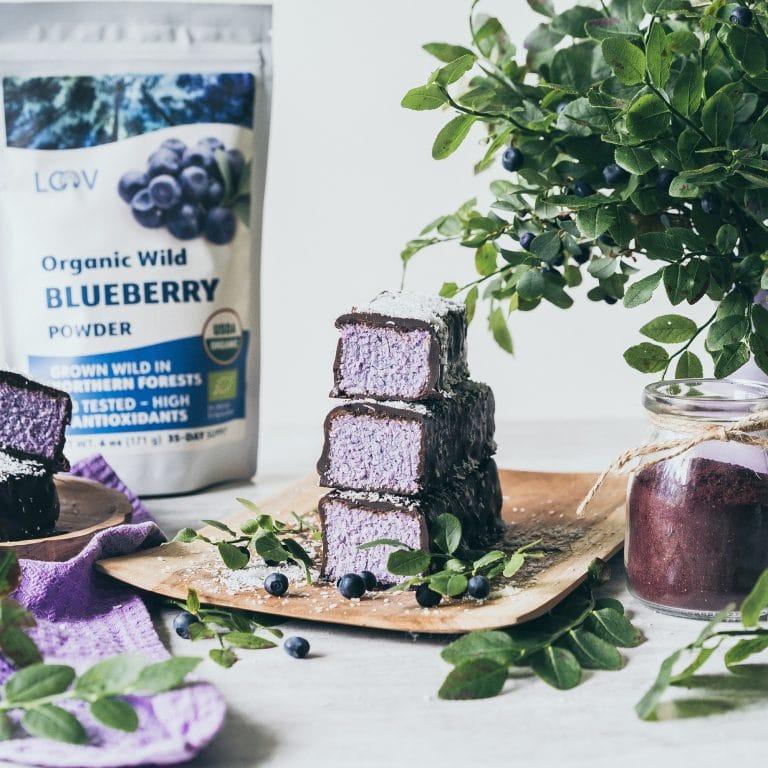 cake with organic blueberry powder